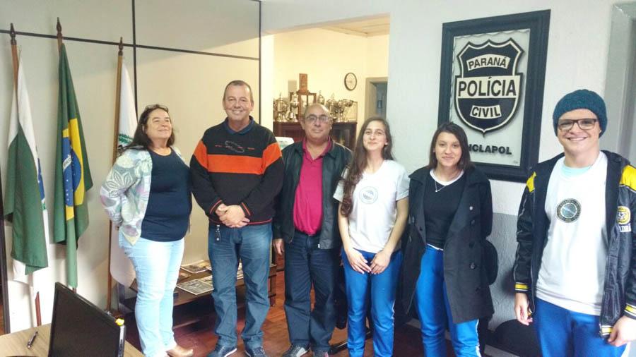 Sinclapol recebe visita de alunos do Colégio Estadual do Paraná